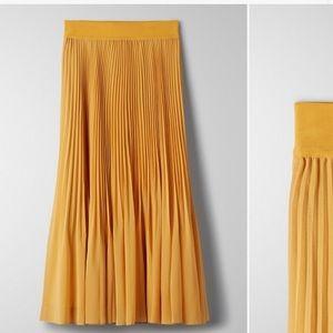 Twirl Skirt in yellow